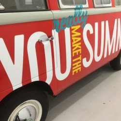 Q music VW Transport T1 voor Q Beach House Oostende